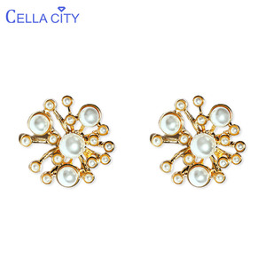 Cellacity Trendy Pearl Earring