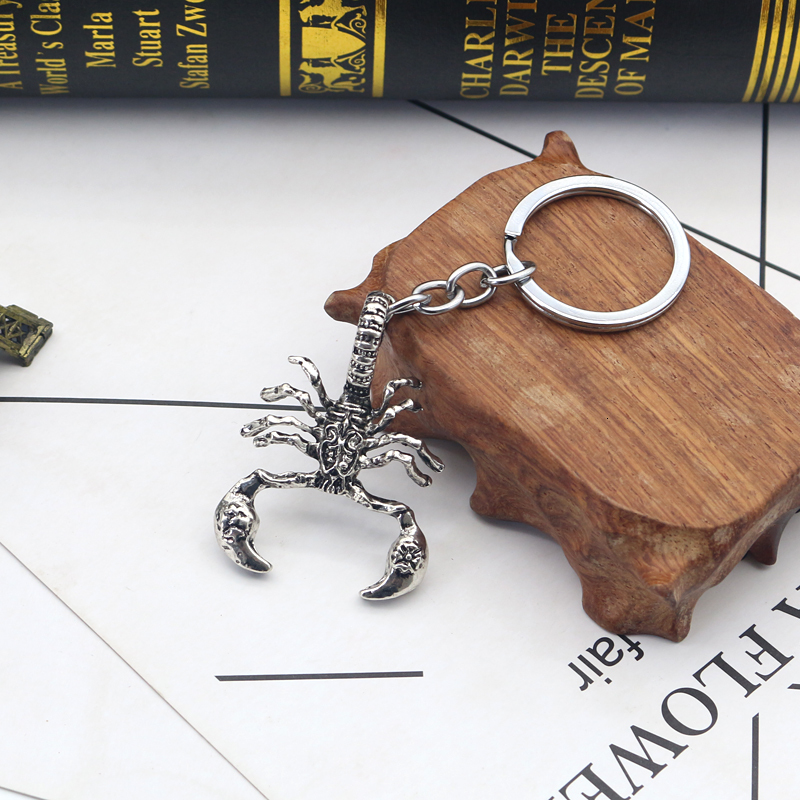 Retro Punk Scorpion King Keychains For Men Boys Vintage Animal Key Rings Cool Jewelry Bag Cars Pendant Accessory Sleutelhanger