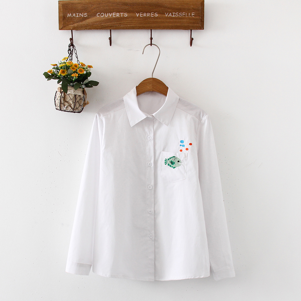 Women's blouse White Shirt Turn-down Collar Embroidery Female Loose Blouses cotton Spring Office Ladies Button Down Shirts