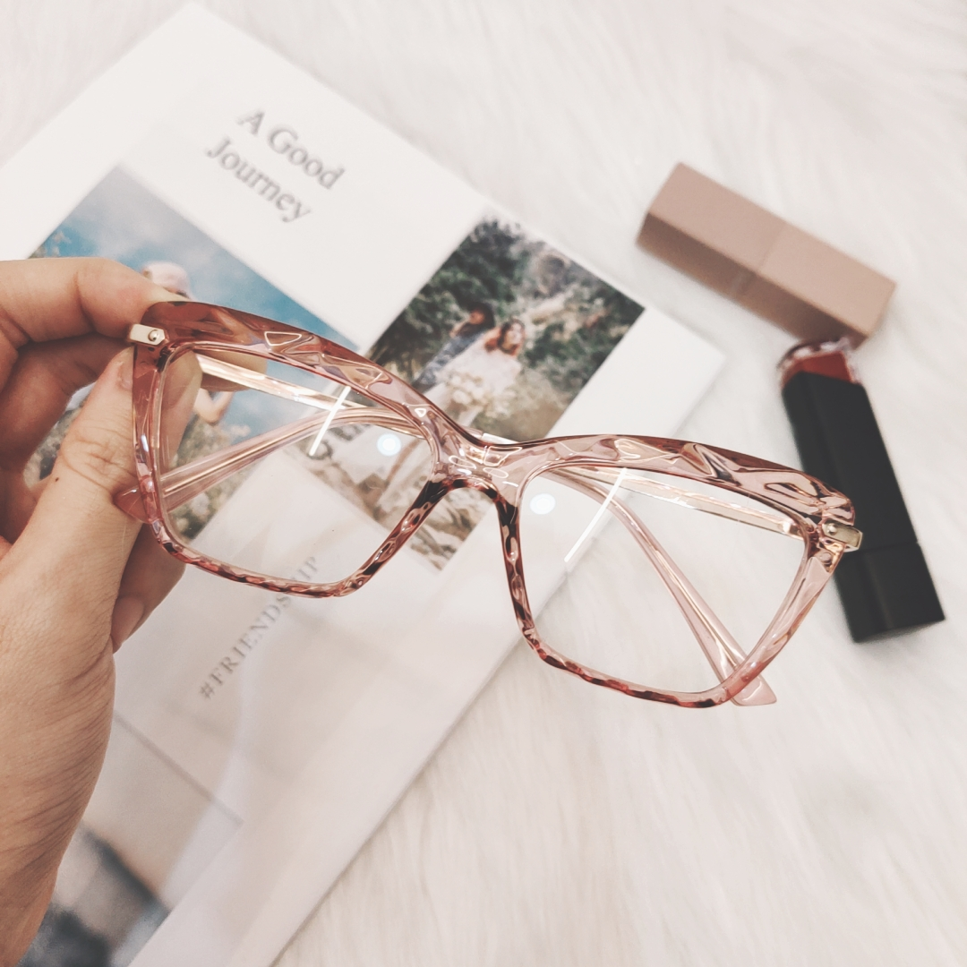 2019 Korean Pink Clear Glasses Frame Women Fashion Transparent Fake Myopia Glasses Frame Female Computer Eyewear Spectacle Frame