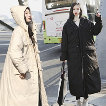 سترة شتوية كبيرة الحجم للنساء معطف بقلنسوة طويل ومتوفر بمقاسات كبيرة للتدفئة للسيدات لموسم خريف 2019 ملابس خارجية للنساء مقاس XL 65