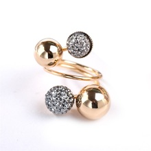 все цены на New 2019 trend simple alloy rhinestone female ring personality exaggerated star gift resin ball spring female ring jewelry онлайн