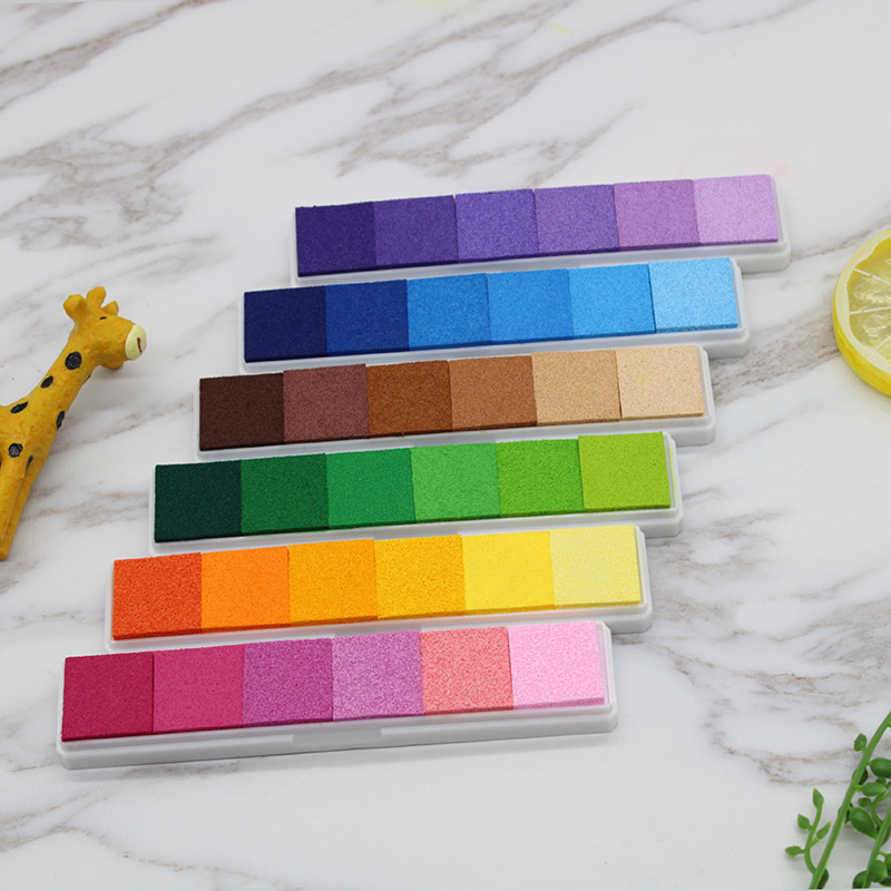 1pcs Gradient Colors Inkpads Scrapbooking Ink Pad Stamp Inkpad Crafts Color Ink Pad Stamps For Children Stamp DIY Art