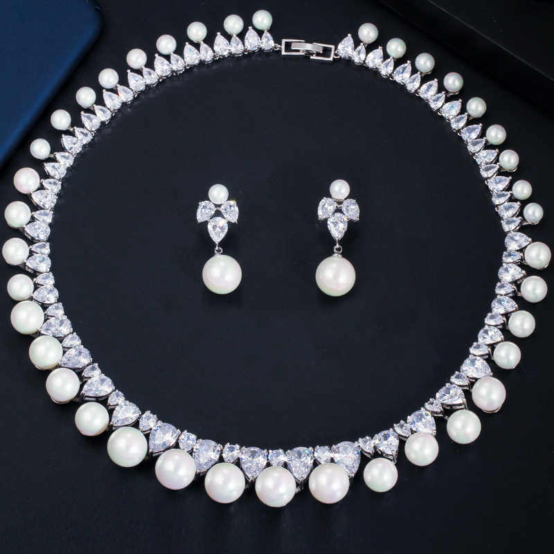 CWWZircons Sparkling Cubic Zirconia Paved Round Big Wedding Pearl Necklace Earrings Costume Jewelry Sets for Women Party T366