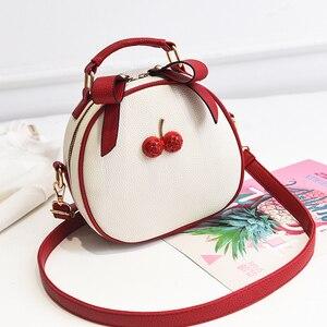 Image 3 - Женская сумка, сумка мессенджер, сумки на плечо для женщин, новинка 2020, модная маленькая белая и черная сумка в Корейском стиле, сумки на плечо