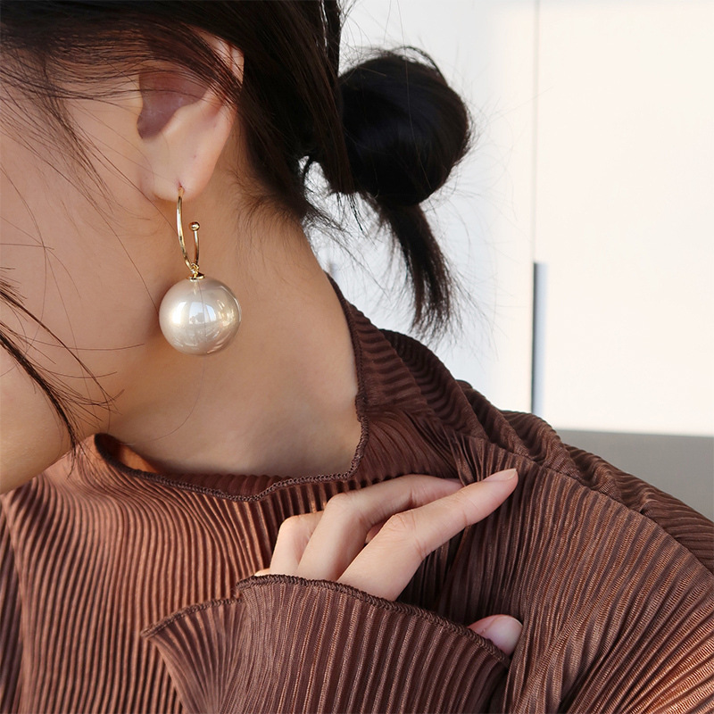 Elegant Big Simulated Pearl Drop Earrings Vintage Fashion Gold Link Hook Dangle Statement Earring Big Ball Earrings Women Party