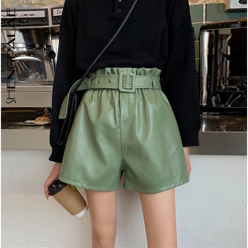 SHENGPALAE 2020 New Fashion Spring Vintage PU Leather Shorts Elasticated Solid Color Loose Thin High Waist Wide Leg ZA2632