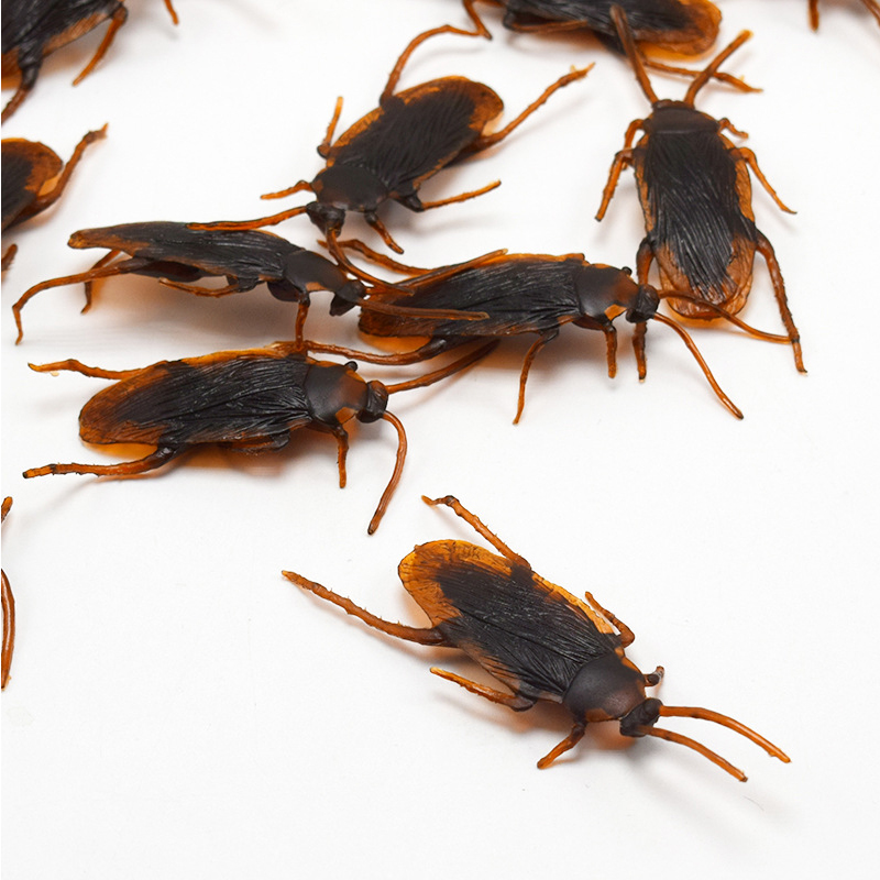 5PC Funny Toy Fake Cockroach Novelty Roaches Bugs Realistic Insects Toy Prank Simulation Tricky Disgusting Scary Spoof Toy