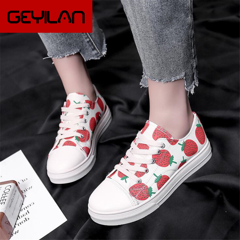 Summer new Women Casual Shoes Lace-Up Comfortable Strawberry pattern woman Shoes fashion Woman flat Canvas Shoes Y325