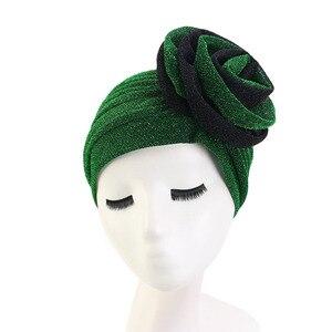Image 3 - חדש יוקרה נשים המוסלמי בהיר shinny טורבן Hijabs גדול פרח אלסטי בד ראש כובע גבירותיי מסיבת חתונת אבזרים לשיער