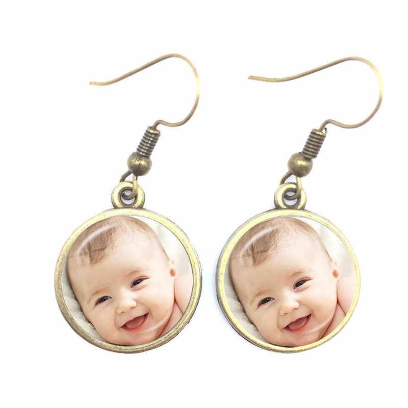 Kişiselleştirilmiş özel küpe fotoğraf anne baba bebek çocuk büyükbaba ebeveynler tasarlanmış Logo takı aile yıldönümü hediyesi