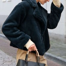 Plus Size Winter Faux Fur Teddy Coat Women High Street Oversized Cozy Jackets Coats Ladies Lamb Wool