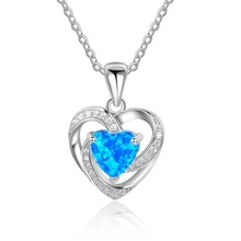 цена на Hot Sale Romantic Heart Shape Openwork Engraving Blue Pendant Necklace Best Female Wedding Jewelry