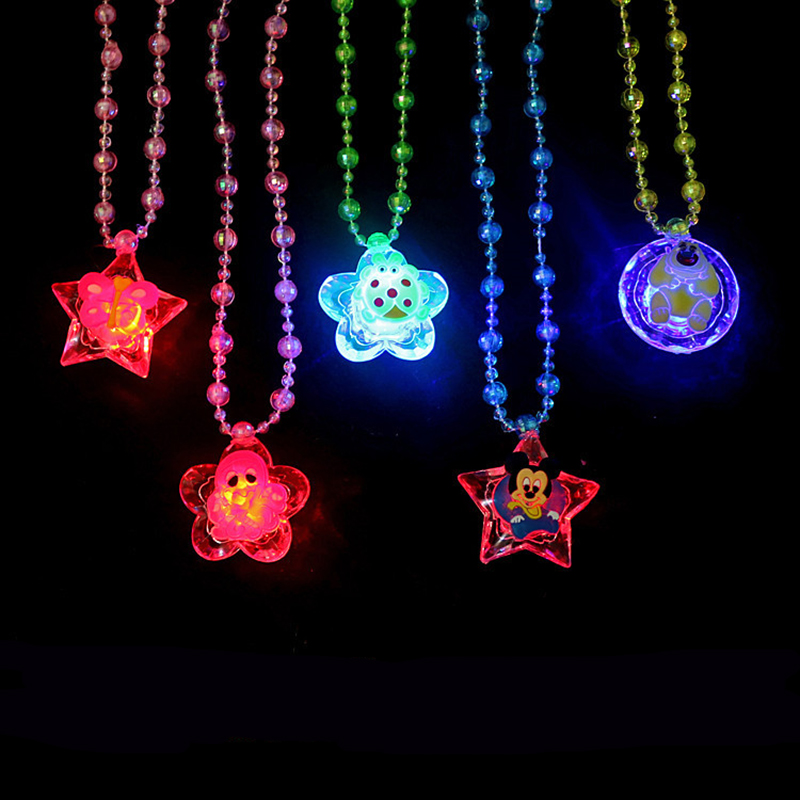 1pcs  Luminous Toys/Acrylic Necklace / Children Flash Led Pendant / Colorful Light/baby Toys For Children/toy/best Gift