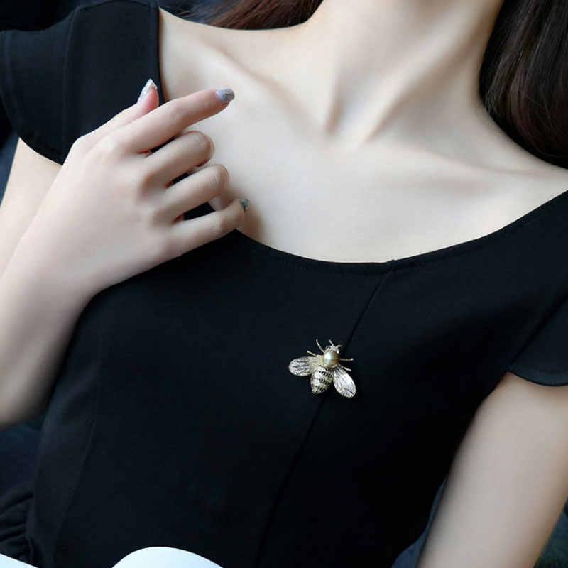 有名なブランドのデザイン昆虫シリーズブローチ女性の繊細なリトル蜂ブローチクリスタルラインストーンピンブローチため女の子