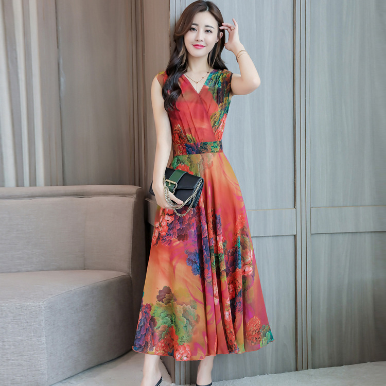 2019 Summer New Style Holiday Beach Skirt Middle-aged Women Dress Chiffon Maxi Dress Elegant Vintage V-neck Sleeveless Floral Pr