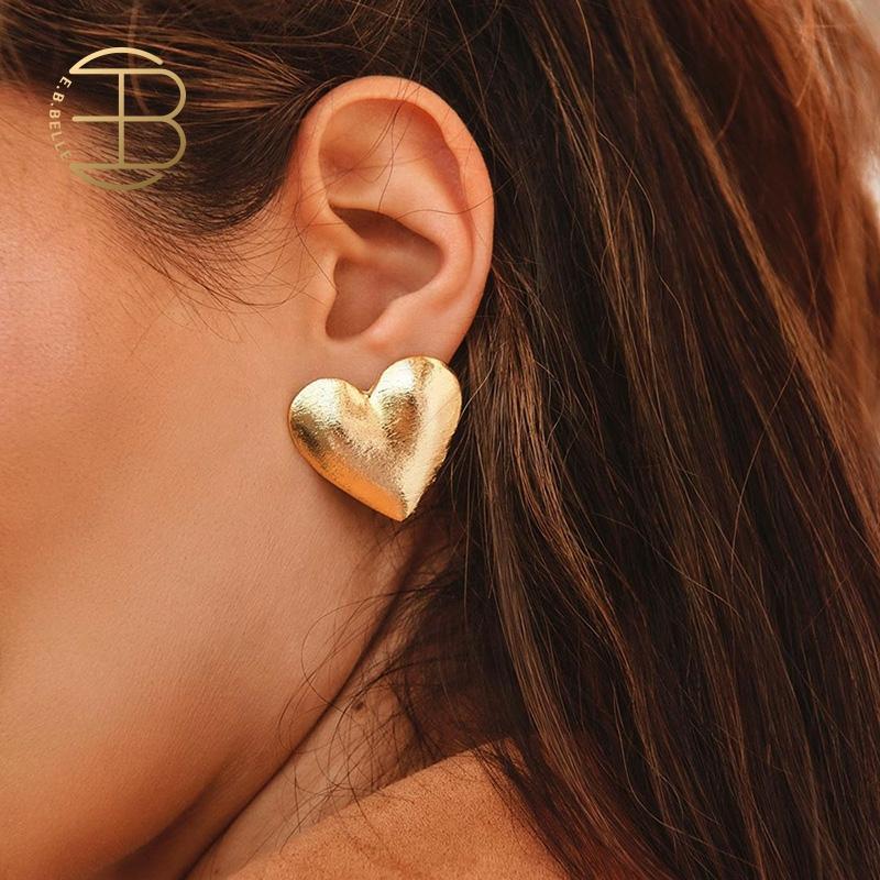 2020 New Fashion Lady's Chic Metal Earrings Rose Gold Heart Stud Earrings For Women