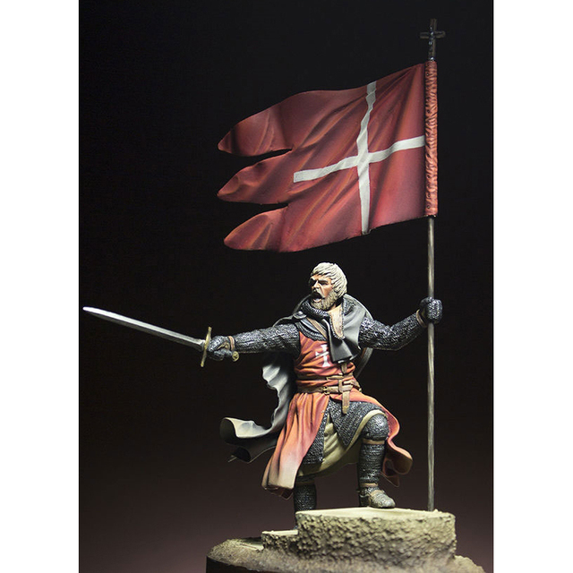 Resin Figure 1/24   ancient stand warrior man Model Unassambled Unpainted  Figure Building Kit 3