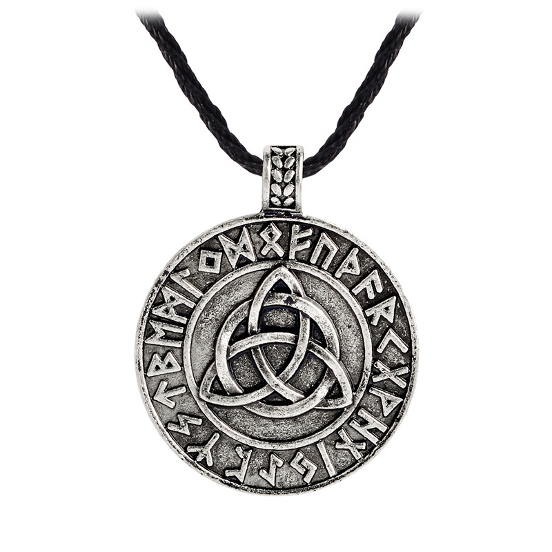 Hot Selling Northern Europe Viking Charm Pendant Necklace Retro Triangular Knot Pendant Necklace Men's Slavic