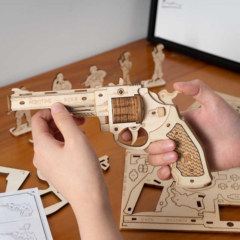 Robotime rompecabezas de madera 3D, banda de goma, armas de la justicia, juguete de guardia Corsac M60 para adolescentes, al aire libre juego divertido, tirador, regalos LQ401