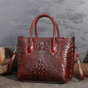 Image 5 - تصميم أصلي العلامة التجارية حقيبة المرأة 2020 ريترو نمط جديد كامل الحبوب والجلود اليد حقيبة كبيرة نمط التمساح المرأة حقيبة جلدية