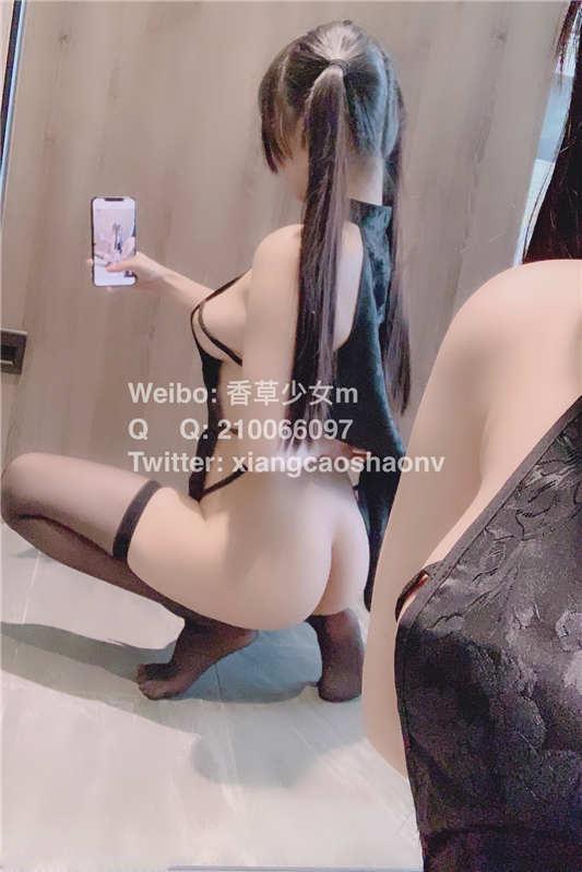 咬一口小奈樱 – 黑旗袍 [55P+1V/624MB]