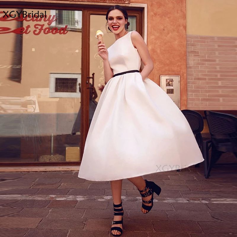 New Arrival Classic Short Prom Dress 2021 Simple Party Dress Sash Scoop Neck Vintage Dress Vestidos De Gala Robe de Soirée