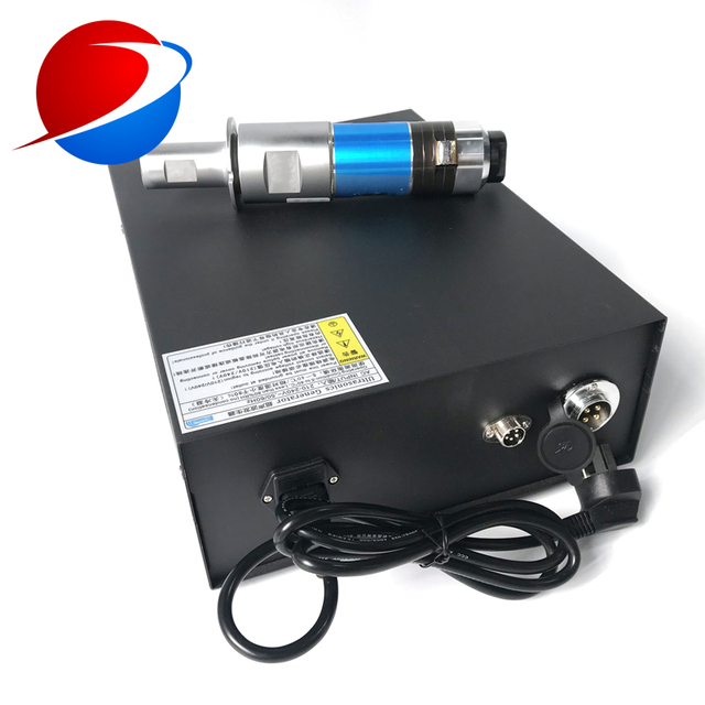 15K 2000W Ultrasonic Welding Generator And Transducer Used For N95 Surgical Mask Welding Machine 4