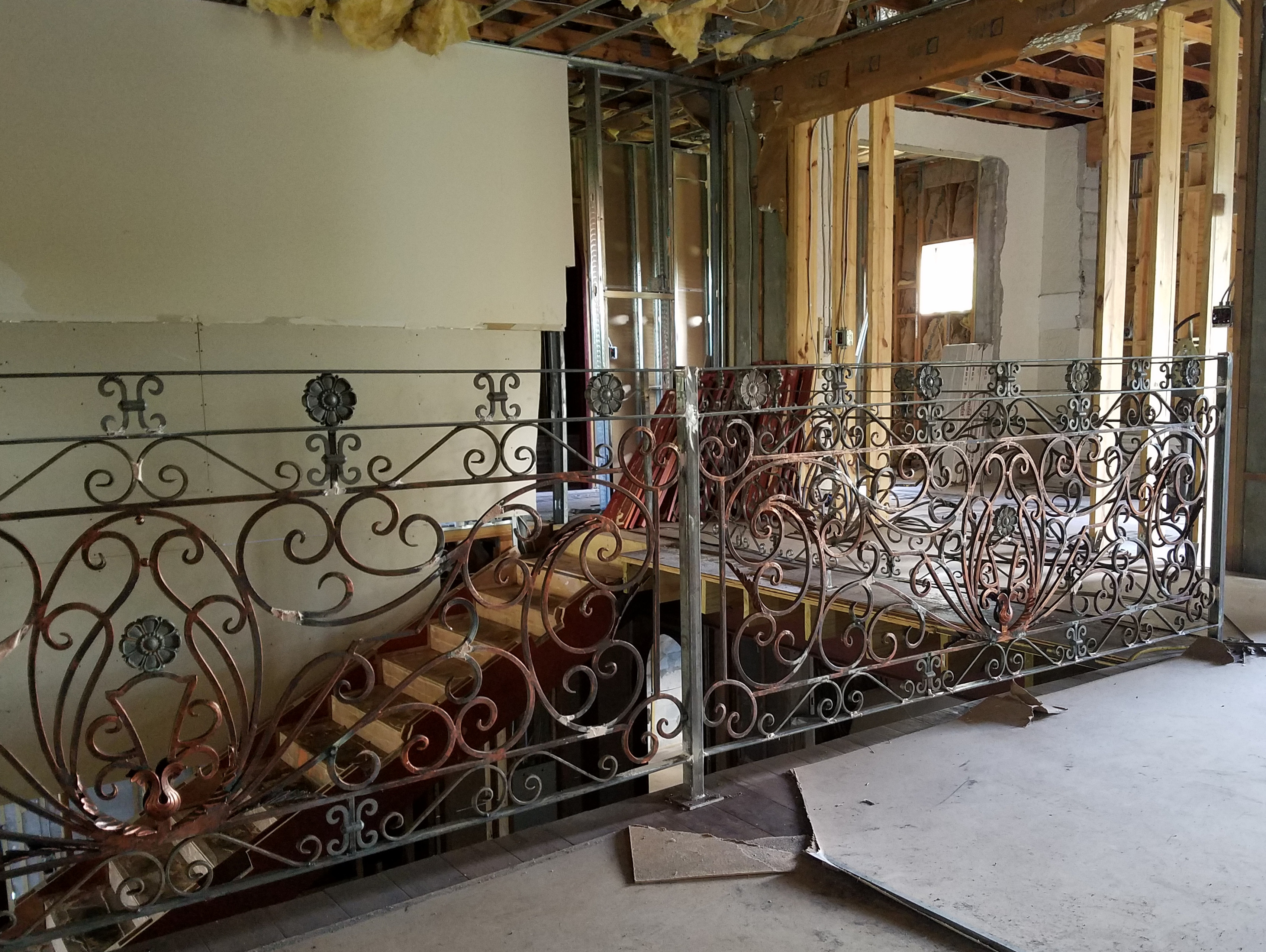 Hench China Indoor Outdoor Wrought Iron Balcony  Iron Balustrades Hot Sale