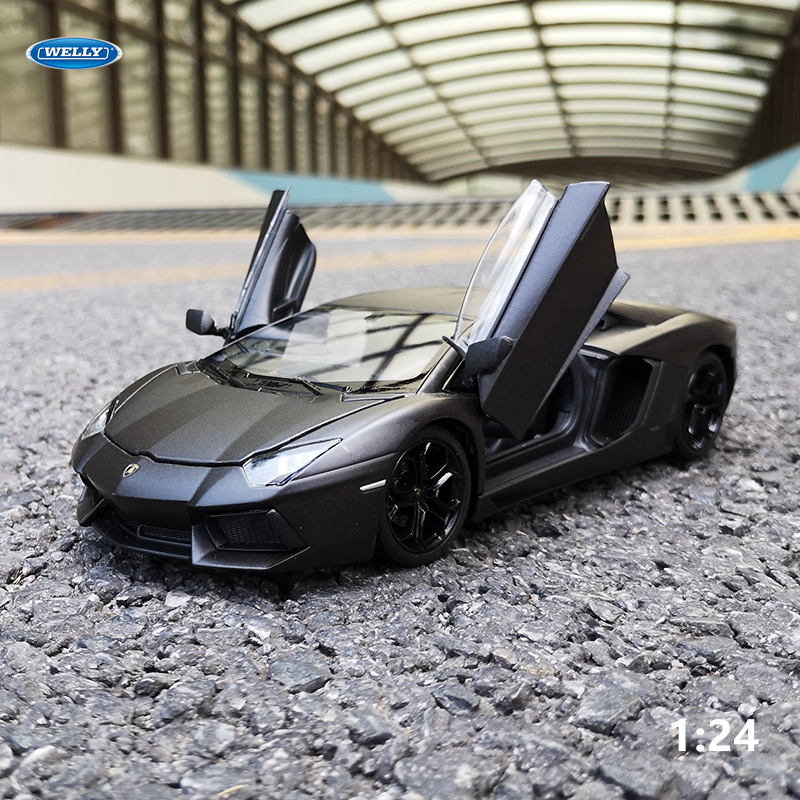 WELLY 1:24 Lamborghini Aventador LP700-4  Car Alloy Sports Car Model Diecast  Tail Car Wheels Toys For Children