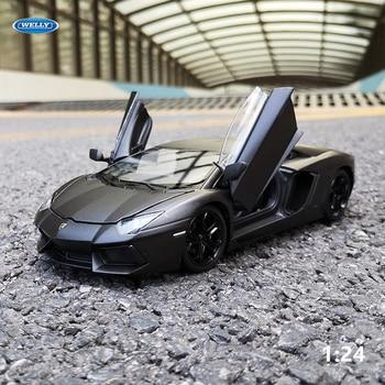цена на WELLY 1:24 Lamborghini Aventador LP700-4  Car Alloy Sports Car Model Diecast  Tail Car Wheels Toys For Children