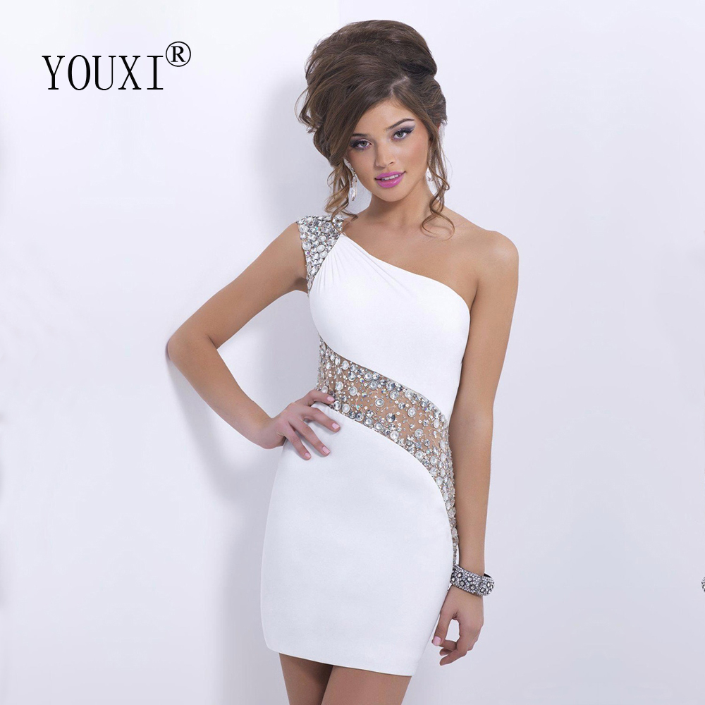 Sexy One Shoulder New Fashion Homecoming Dresses White Column Short Prom Dress Vestido De 15 Anos Curto