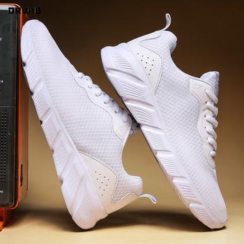 Męskie buty duże rozmiary 39-48 letnie siatkowe oddychające męskie trampki tenisowe trenerzy wysokiej jakości białe czarne tenisowe męskie obuwie tanie i dobre opinie ORVAB Mesh (air mesh) Przypadkowi buty Lace-up Pasuje prawda na wymiar weź swój normalny rozmiar Podstawowe Lato Y2020