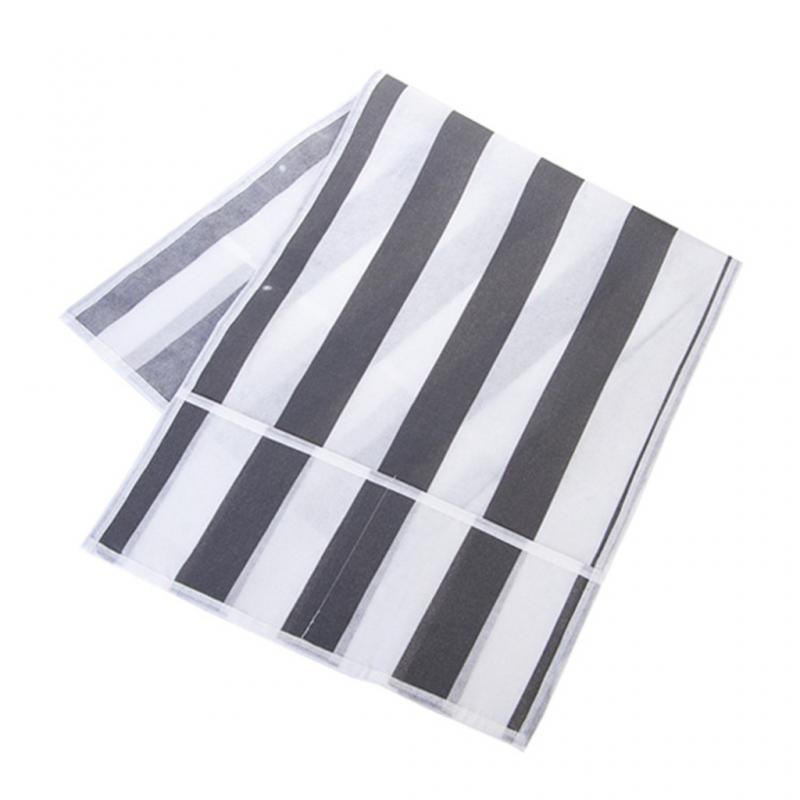 striped pattern dust cover