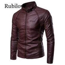 купить Rubilove PU Leather Jacket Men New Men's Stand-up Collar Fur Coat with Zipper Metal Buttons Decorative Letterpress Leather Coat дешево