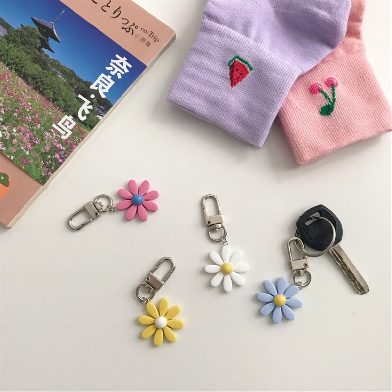 1PC Cute Resin Flower Keychain For Woman Candy Color Flower Charms Keyring Girls Earphone Cover Jewelry Wedding Gifts
