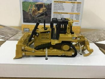 Cat D6R XL Track-Type Tractor 1/64 Scale Metal Model By Diecast Masters DM85607