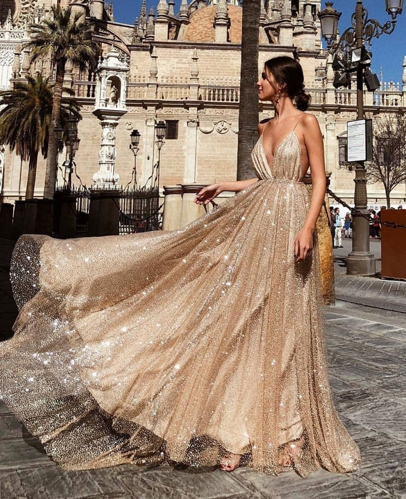 Sexy Deep V-Neck   Prom     Dress   2019 New A-Line Spaghetti Strap Sleeveless Shiny Sequined Backless Custom Made Formal Party Gowns