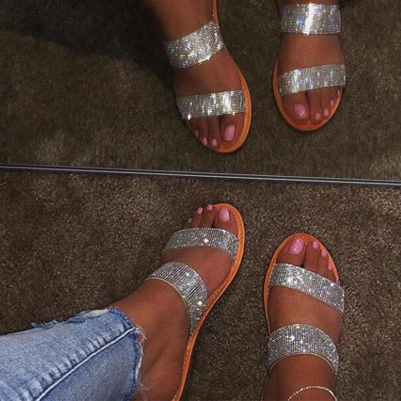 Taklidi sandalet kadın yazlık terlik açık ayak büyük boy sandal plaj slaytlar kadın yaz ayakkabı için altın gümüş