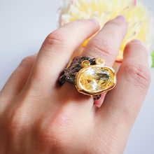 Beautiful Big Golden stone Ring New Design Jewellery for Party Jewelry Woman rings