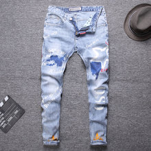2020 печати синего цвета уличной моды байкер джинсы мужской мода уменьшают подходящие сращены дизайнер рваные прямой джинсы