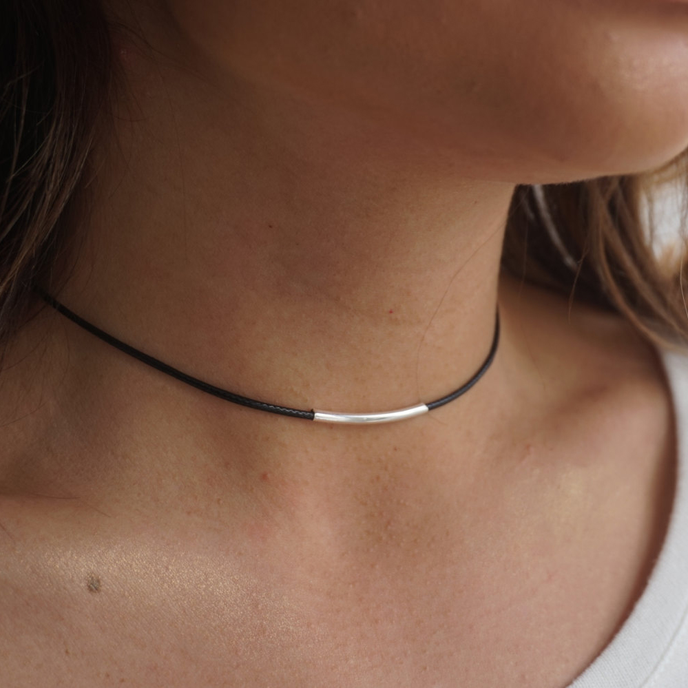 Japan Korean Black Leather Rope Necklace Women Gold Tube Necklace Woman Short Neck Collar Chain Necklace Choker Clavicle Ladies