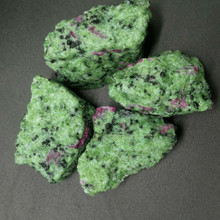 100gNatural red and green mineral specimen decoration decorative landscaping gravel natural stones minerals