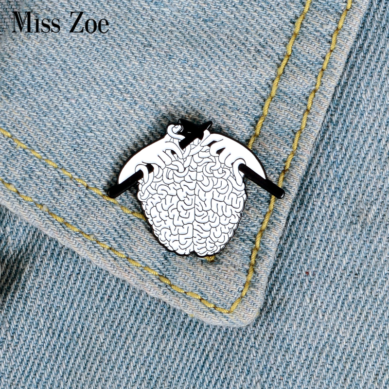 Knitting Sweater Enamel Pin Organ Brain Brooches Bag Clothes Lapel Pin Punk Fun Badge Medical Jewelry Gift For Doctor
