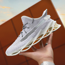 350 men Shoes Reflect Blade Light v Coconut Sneakers zapatos