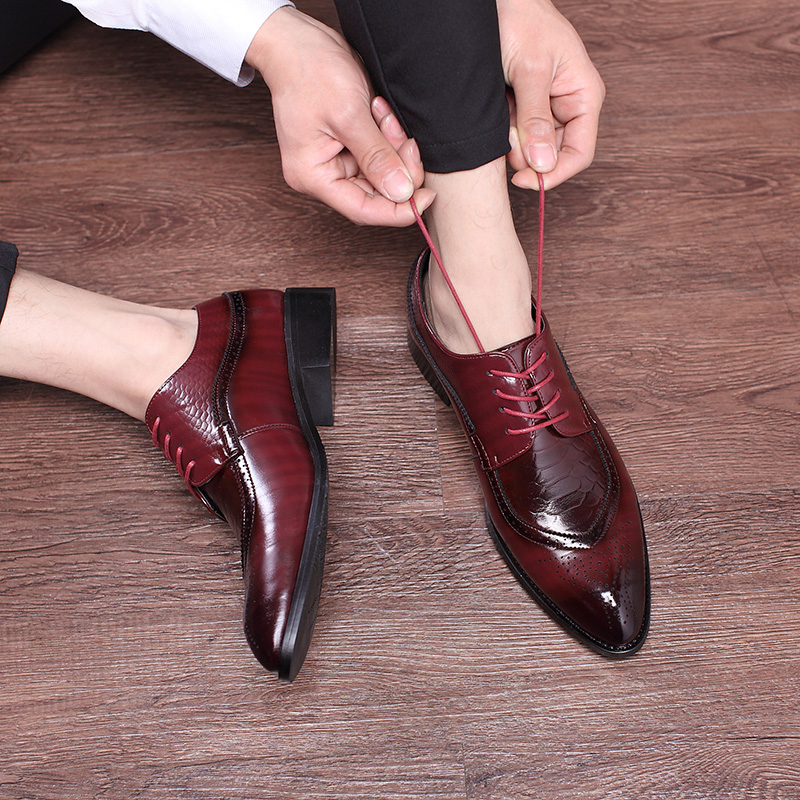 2020 High Quality Italian Leather Shoes Men Fashion Business Shoes Casual Shoes Pointed Toe Shoes Wedding Flat Dress Party Shoes