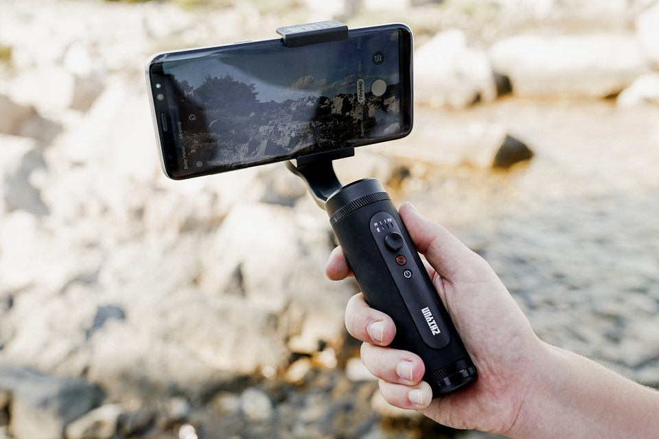 ZHIYUN SMOOTH Q2 Pocket-size Mobile Gimbal for Smartphones iPhone/Samsung 3-Axis Vlog Handheld Stabilizer New Arrival