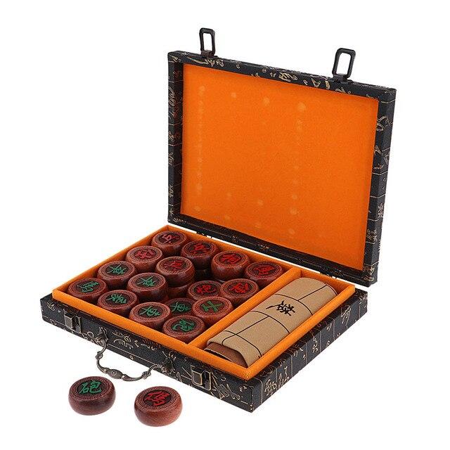Jeu d'échecs chinois traditionnel de luxe Xiangqi avec des pièces en damier et en palissandre 3