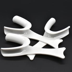 Image 5 - 2 pcs 치아 구강 립 뺨 견인기 입 오프너 뺨 확장기 치아 미백 치과 재료 도구
