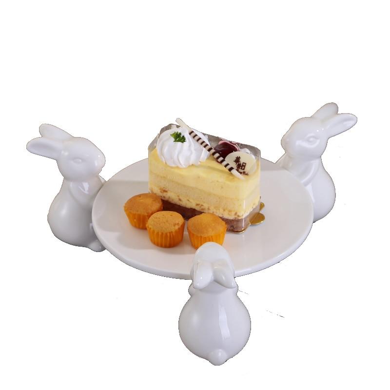 Керамический поднос с тремя кроликами для торта и фруктов, декоративный поднос с керамическим Банни, портретная тарелка для десерта, демонстрационный поднос для пищевых продуктов - Цвет: Белый
